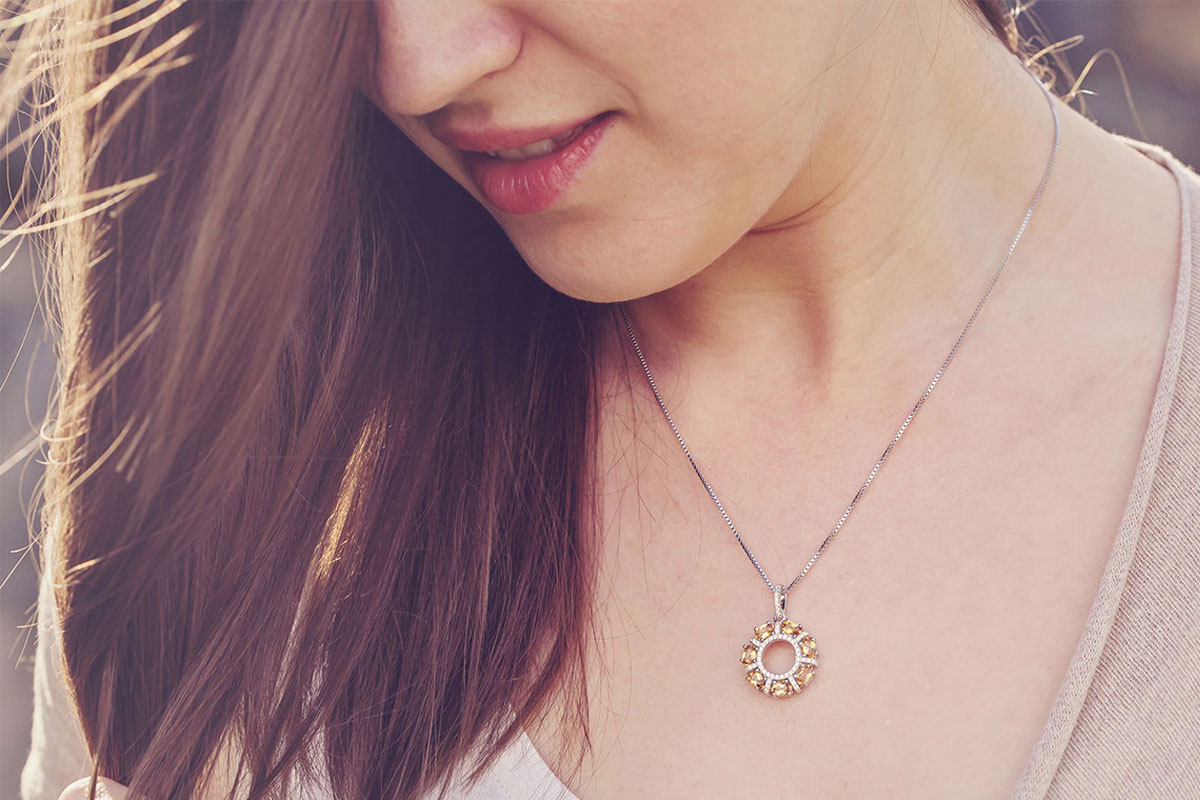 Beautiful and Bold Jewellery Which Makes a Woman More Confident