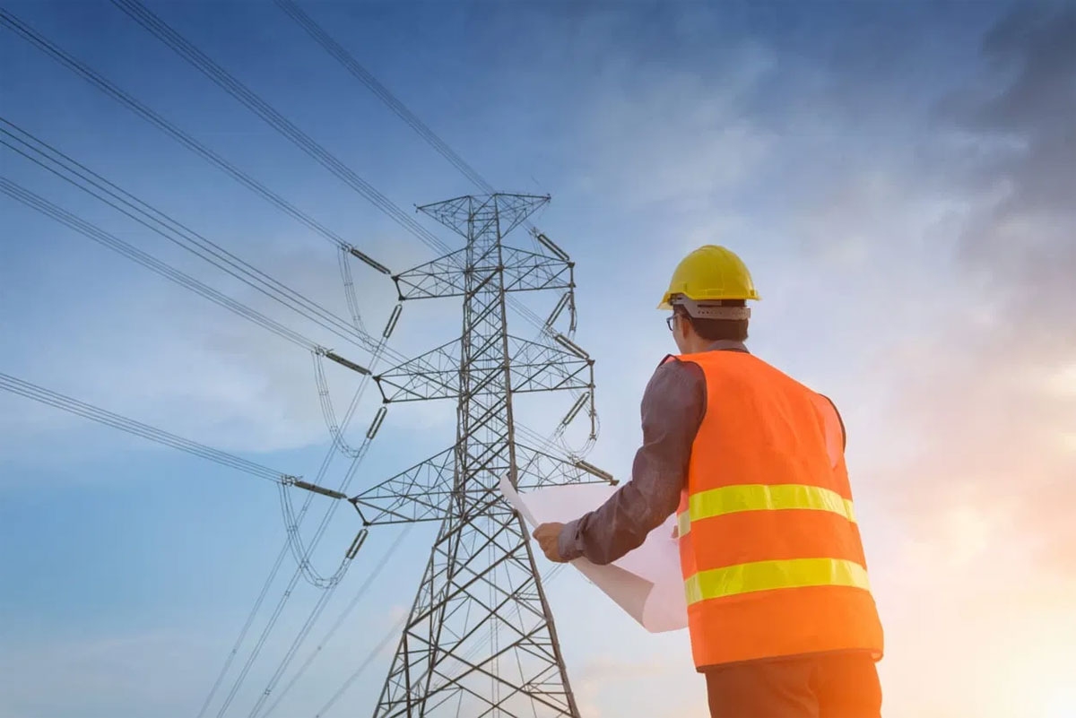 Top 3 Benefits of Hiring Electrical Companies